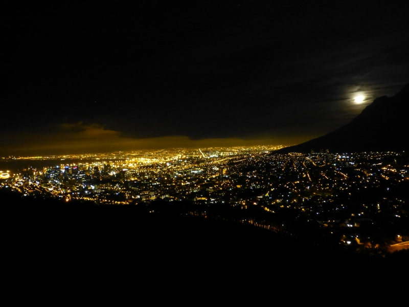 CAPE TOWN BY NIGHT